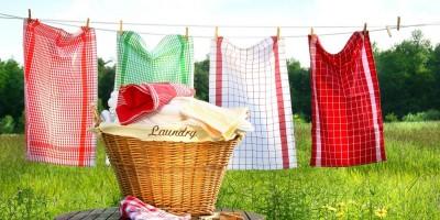 Wie man auch schwierige Schmutz- oder Essensflecken aus Kinderkleidung bekommt