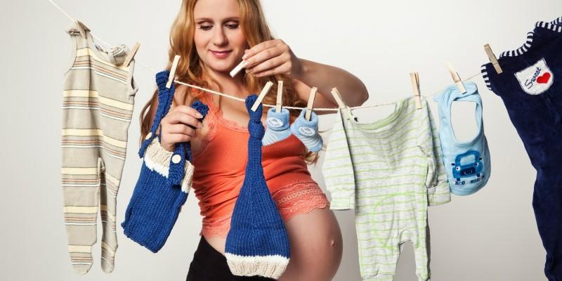 Erstlingsausstattung mit viel Babykleidung