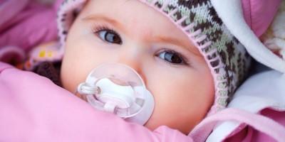 Warme Babykleidung aus Fleece und Baumwolle